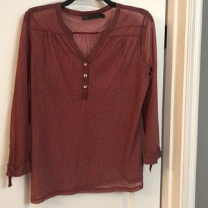 Large outback red sheet shirt.